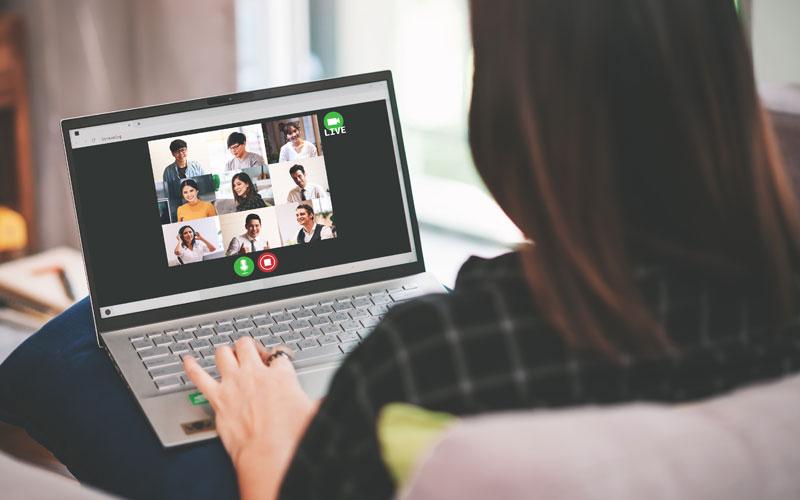 reunions i esdeveniments virtuals amb traducció simultània